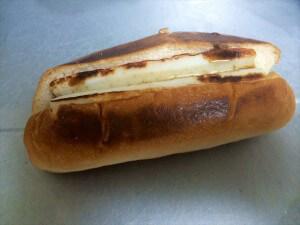 ちくわとパンを少し焼く