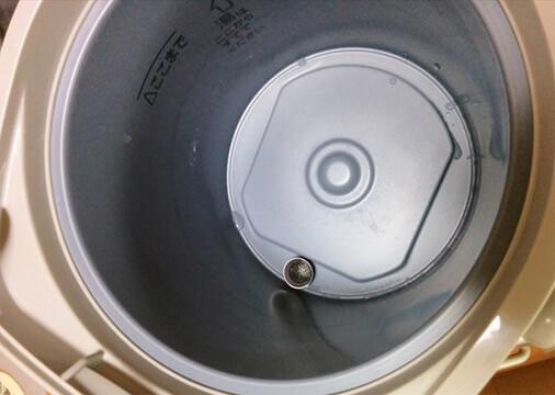 電気ポットがきれいに洗浄できました