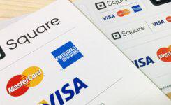 Visa・Master・AMEXのロゴ入りステッカーと卓上ポップ無料