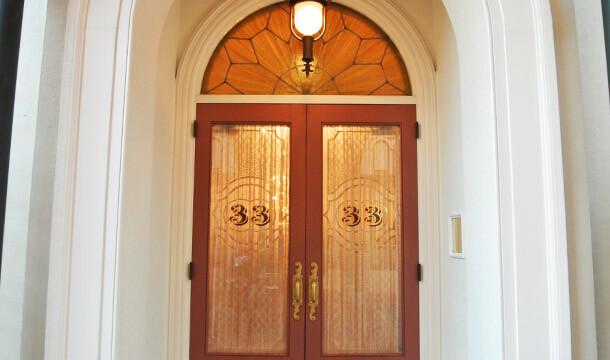 クラブ33の入り口