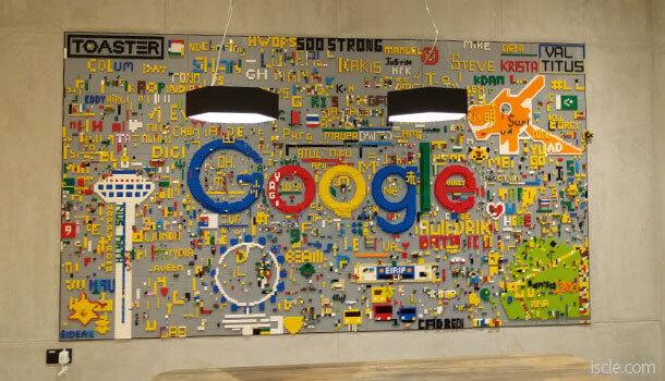 レゴで作った Google のロゴ
